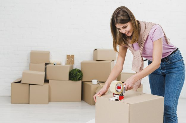 Hiring a Relocation Company to Move to a New Country